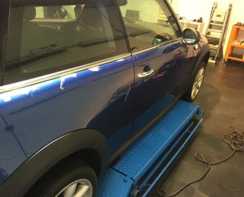 BMW mini op brug